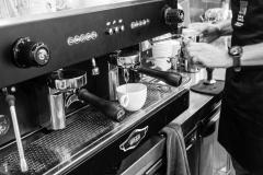 Geniet van Hopper koffie bij Lunchroom De Bakery, Willem Royaardsplein Den Haag